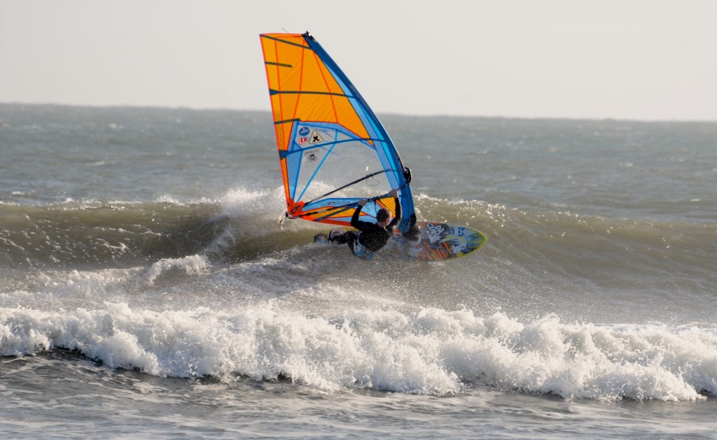 Rick Eustis photo.  Classic Izzy's conditions in NE wind on November 20.