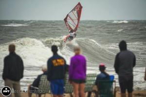 boujmaa-crowd-windsurf-lighthouse
